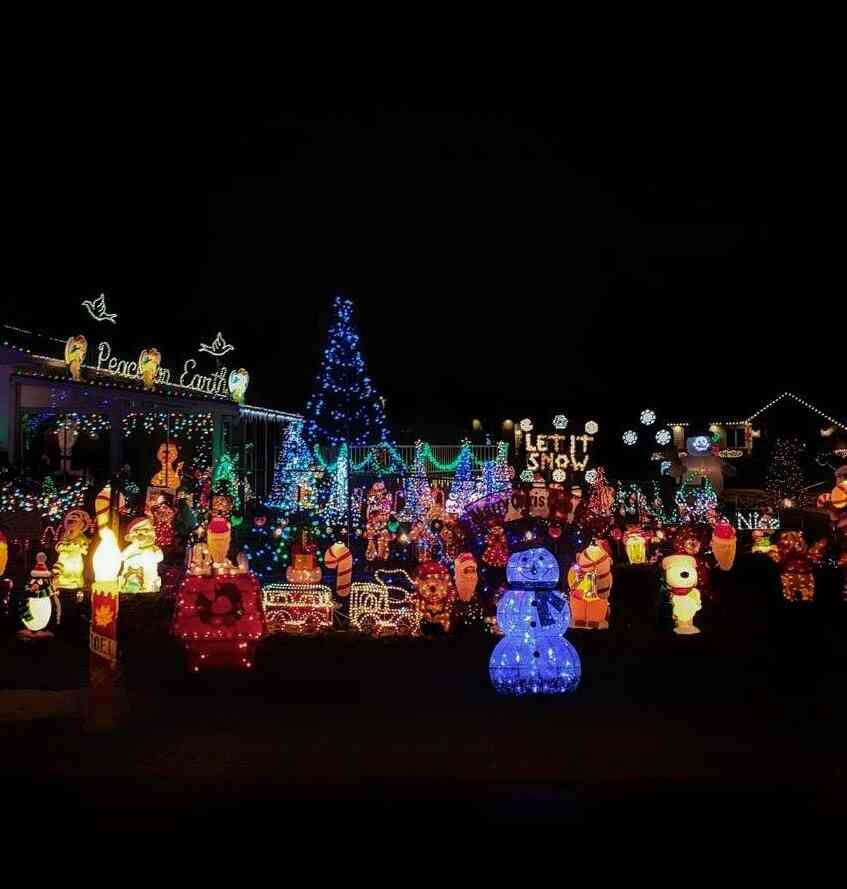 6 Spectacular Christmas Lights Around Rochester Day Trips Around Rochester Ny Day Trips Trip Holiday Lights