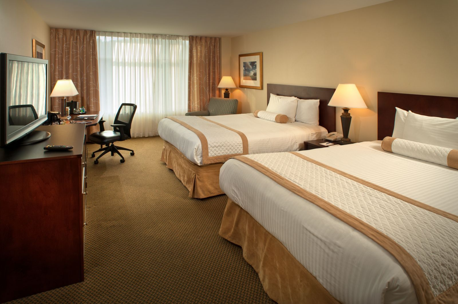 Rebate With 3-night Booking Hotel