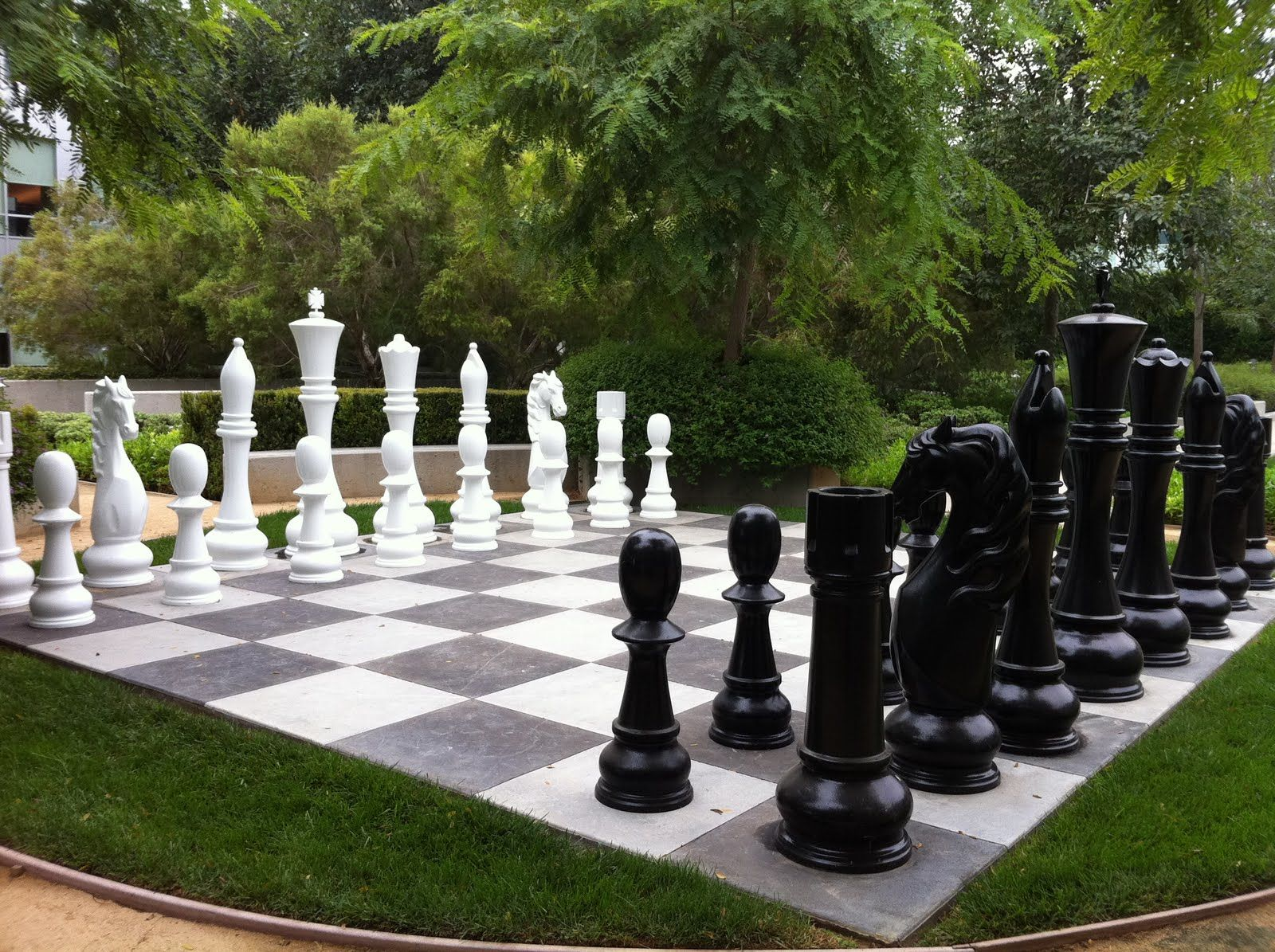 THE PLEASURE OF CHESS… LARGE OUTDOOR CHESS SETS! | Outdoor ...