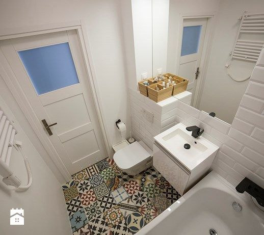 Mała łazienka Kolorowa Podłoga Pomysły Do Domu