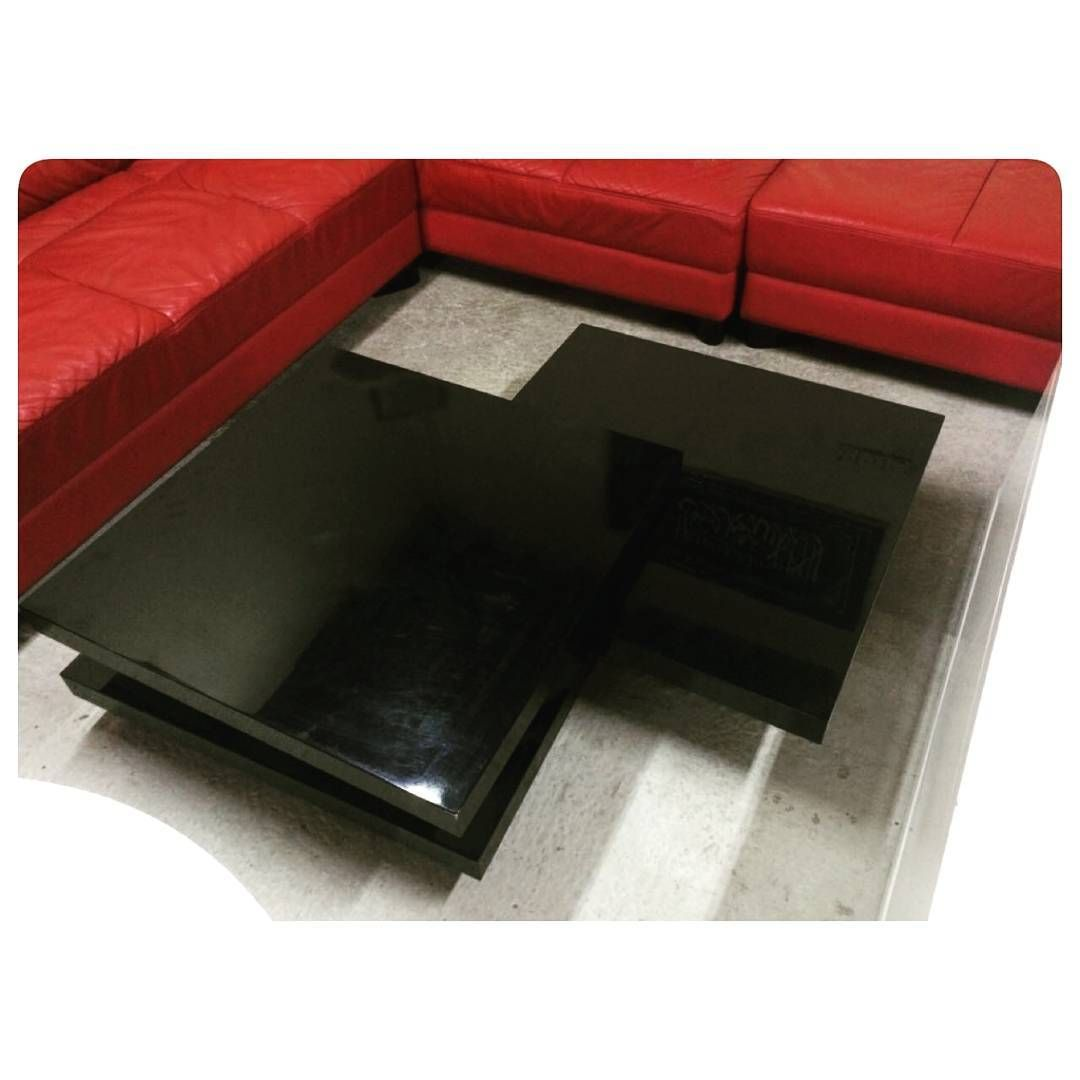 For Sale Coffee Table Black Color Good Condation Price 40 Bd للبيع طاولة وسط لون اسود بحالة ممتازة السعر 40 Bd Tel 3 Coffee Table Home Decor Decor
