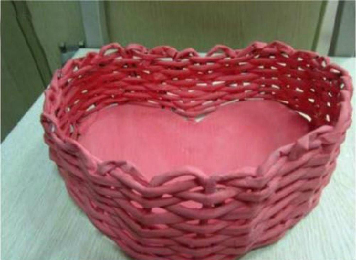 Come fare una cesta a forma di cuore con carta riciclata - Tutorial facile e veloce.