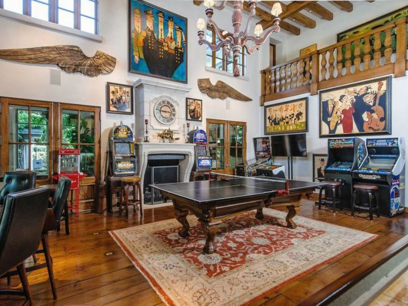 5 Dallas In Home Game Rooms That Invite Friendly Competition Arcade Room Home Game Room