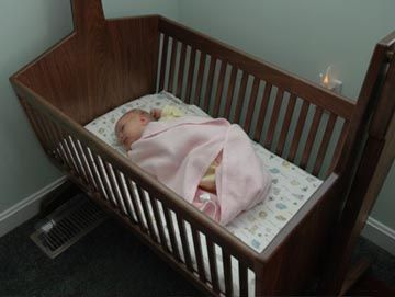 Becky's Cradle, a Tutorial with Plans | Crib Plans - Cradle Plans | Pinterest | Baby furniture ...