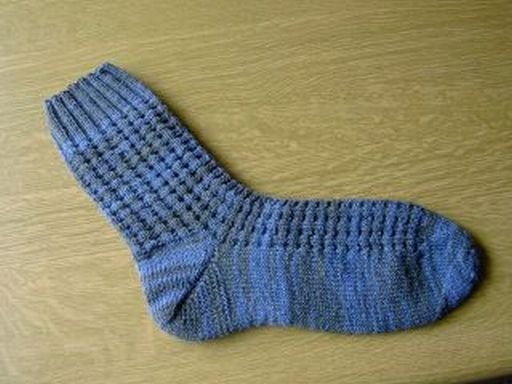 Photo of Minizopfmuster-Socken für Lena mit Anleitung