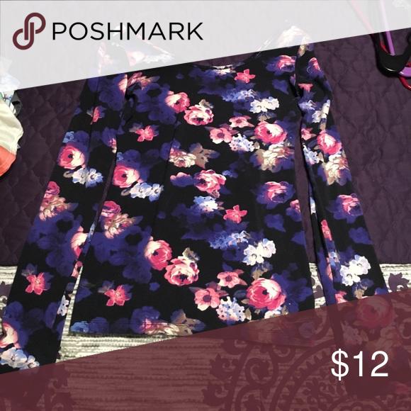 Flower top Long sleeve Decree Tops Tees - Long Sleeve