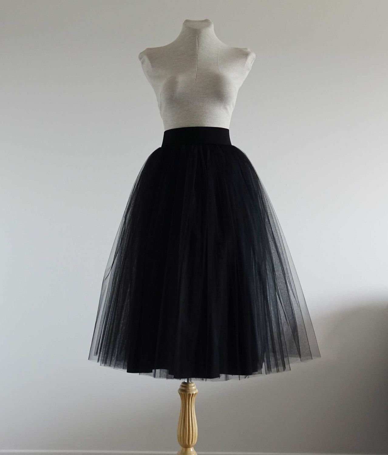 Tulle skirt .Black tulle skirt. Tea length tulle skirt. Woman tulle skirt. Classic tulle skirt. Tulle skirt.