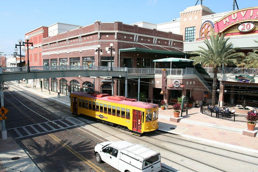 Ybor City Ybor Centro With Tampa Bay Brewery Bar Ybor City Ybor City Tampa City