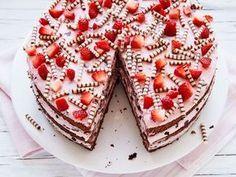 Erdbeer-Stracciatella-Torte #tortenrezepte
