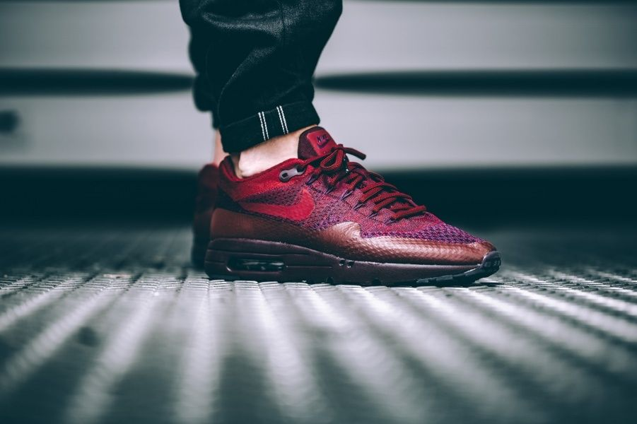 Nike Air Max 1 Ultra Flyknit Grand Purple / Team Red Around : 145€ /