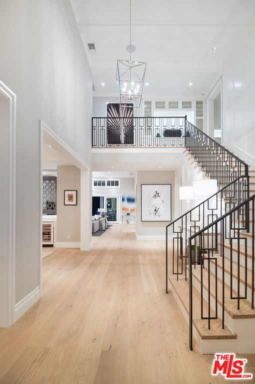 550 Entryway Ideas for 2019 #staircaserailings