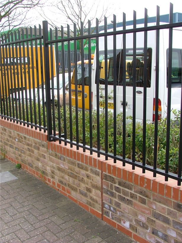Square Hollow Section Vertical Bar Railing Fence