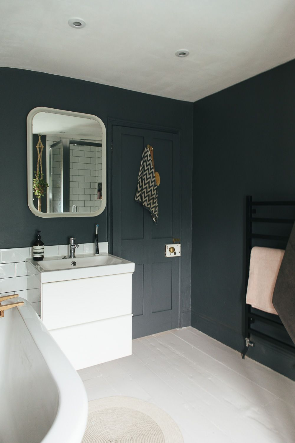Nice 10 Dark Bathroom Colors Some Of The Most Incredible And Also Lovely For Your Home Or Ap In 2020 Small Dark Bathroom Small Bathroom Colors Bathroom Color Schemes