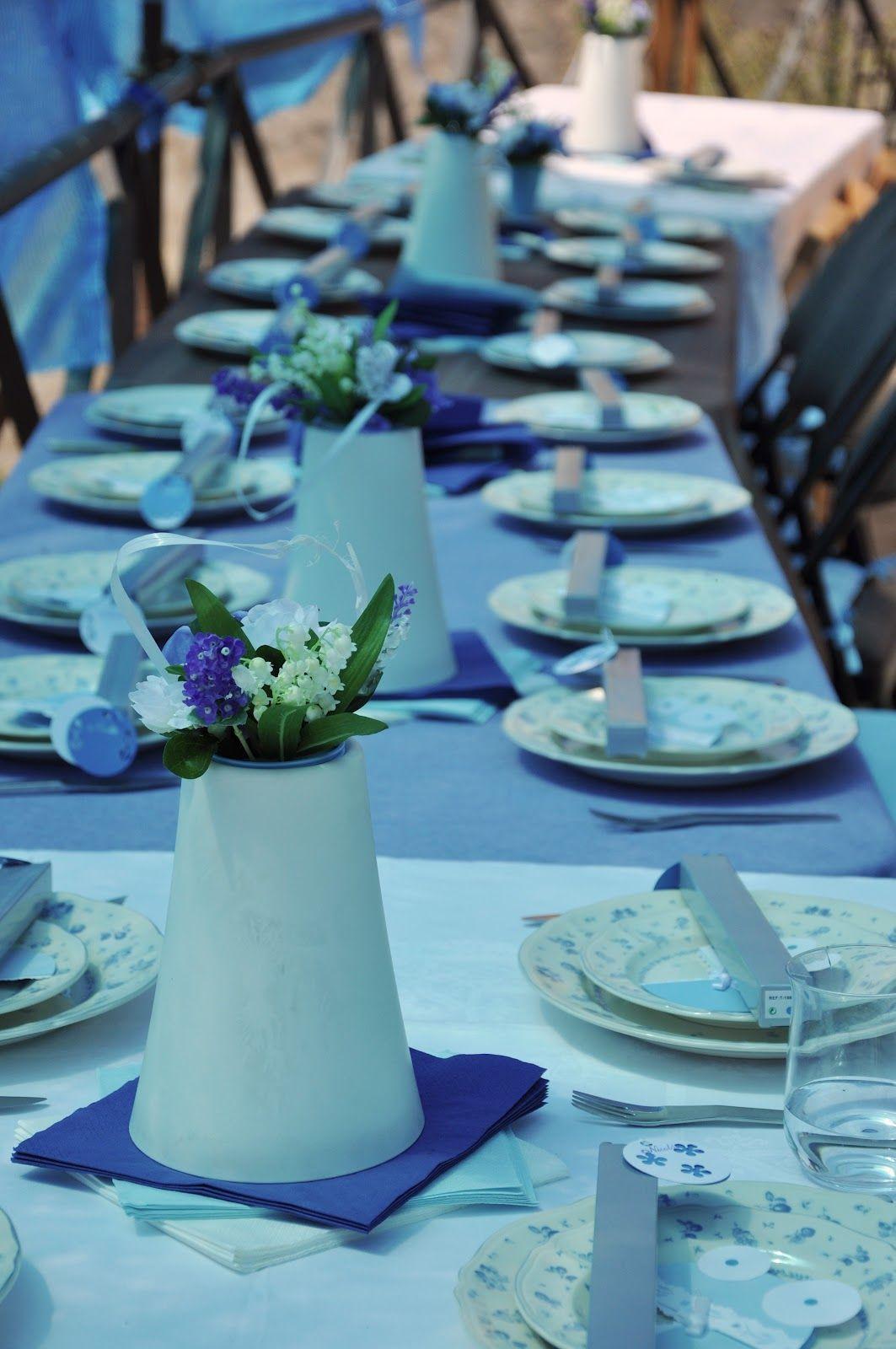 Delikatne Kwiaty I Bialo Niebieskie Nakrycia Stolu Blue Party Party Blue Bird