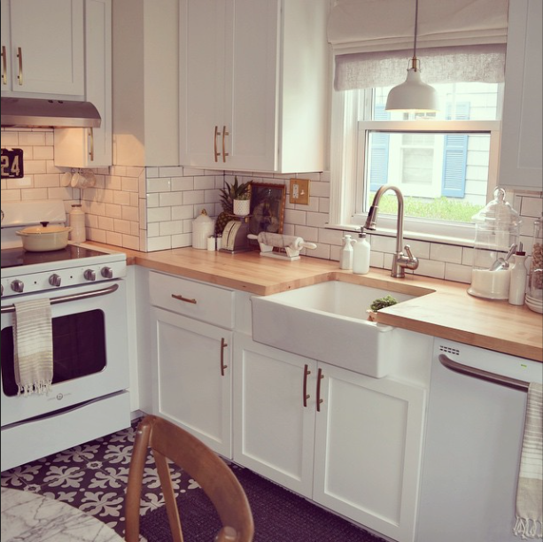 HWH Loves Bloggers Farmhouse kitchen inspiration