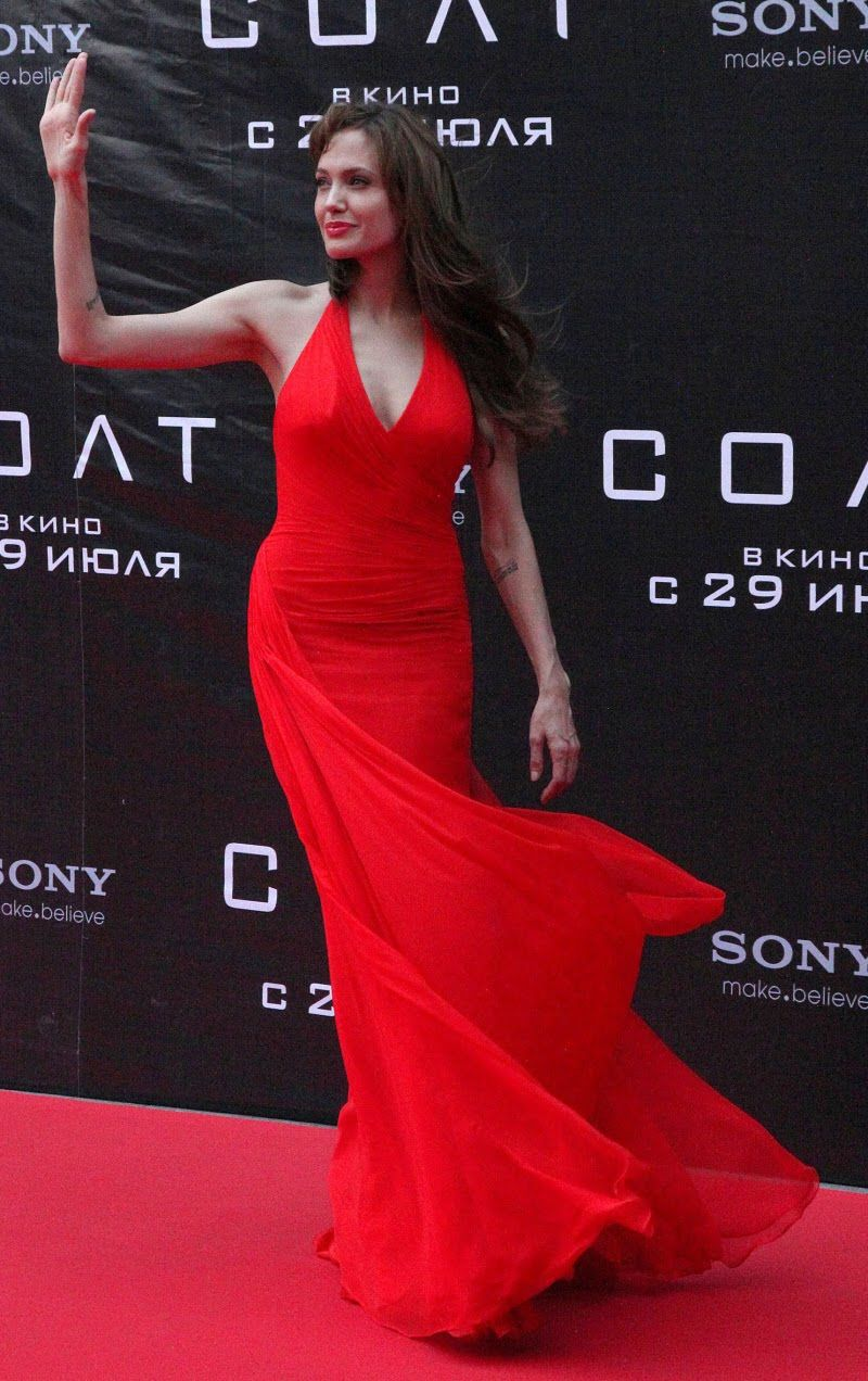 Angelina On Fire In Red Red Dress Hollywood Dress Colorful Dresses [ 1272 x 800 Pixel ]