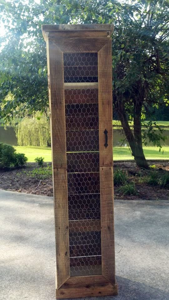 A Little Bit of This, That, and Everything: Pallet Projects - Pallet Cabinet