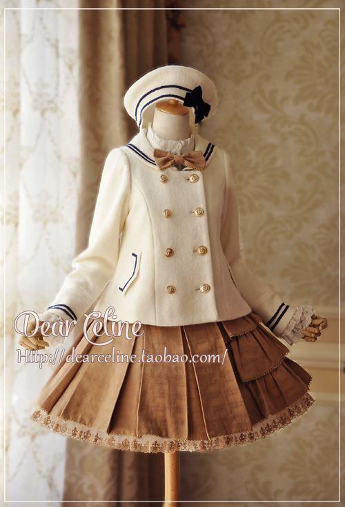 Jupe marron, avec un chapeau et haut de marin - Lolita