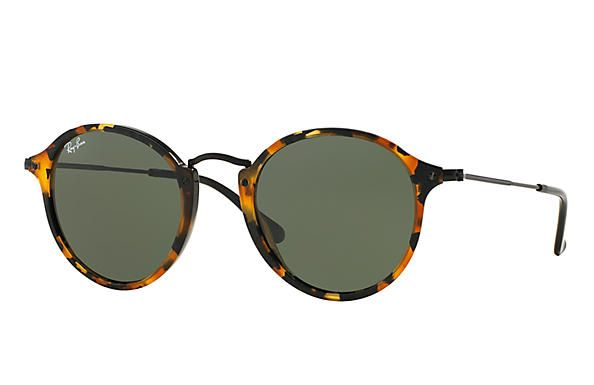 9aef8f7968 Ray Ban ROUND FLECK Frame material  Acetate Frame color  Tortoise  Black  Lenses  Green Classic G-15