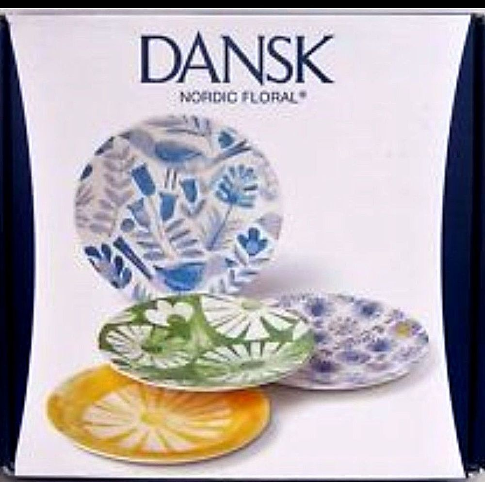 Set of 4 Dansk Nordic Floral Melamine Party Plates Dishes | Home u0026 Garden Kitchen  sc 1 st  Pinterest & Set of 4 Dansk Nordic Floral Melamine Party Plates Dishes | Dishes ...