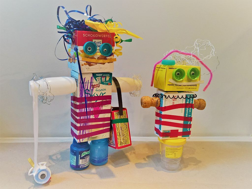 Roboter Basteln mit Müll | Bastelideen, Recycling basteln