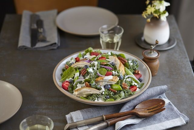 kale-berry-ranch-salad-165748 Image 1