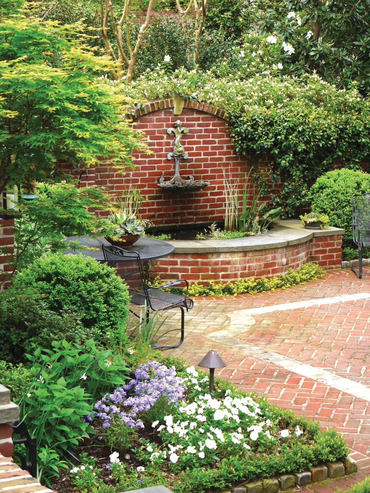 Brick Fountain With Arched Wall Adds Tons Of Charm
