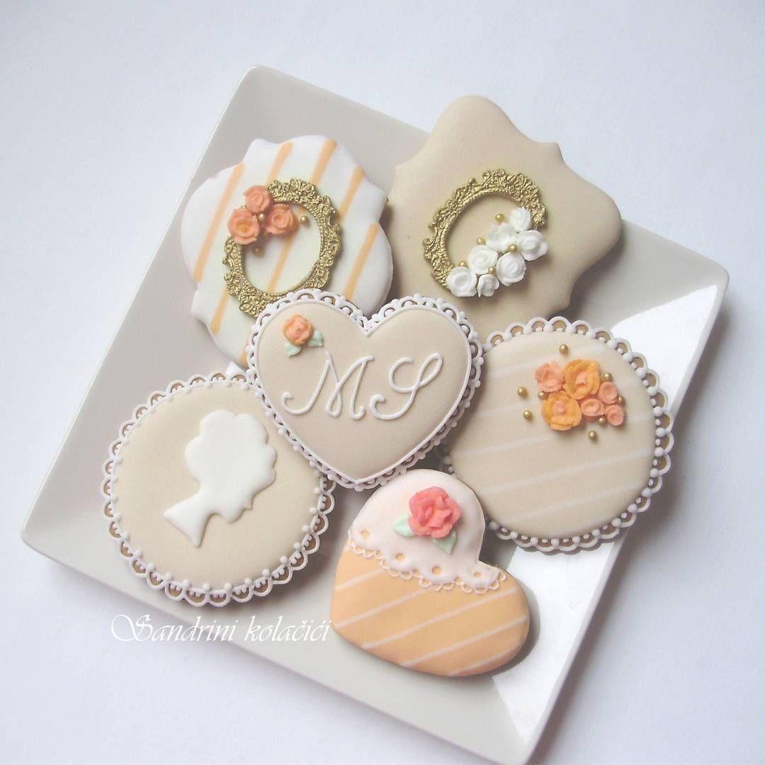 medenjaci #kolacici #decoratedcookies #instacookies #vintagecookies ...