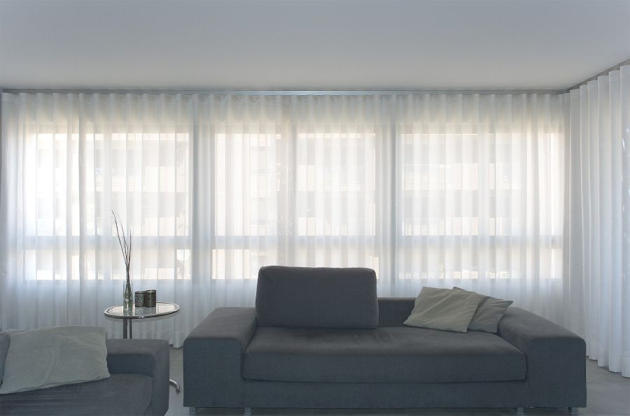 Cortinas con onda perfecta para un sal n moderno - Cortinas salon moderno ...