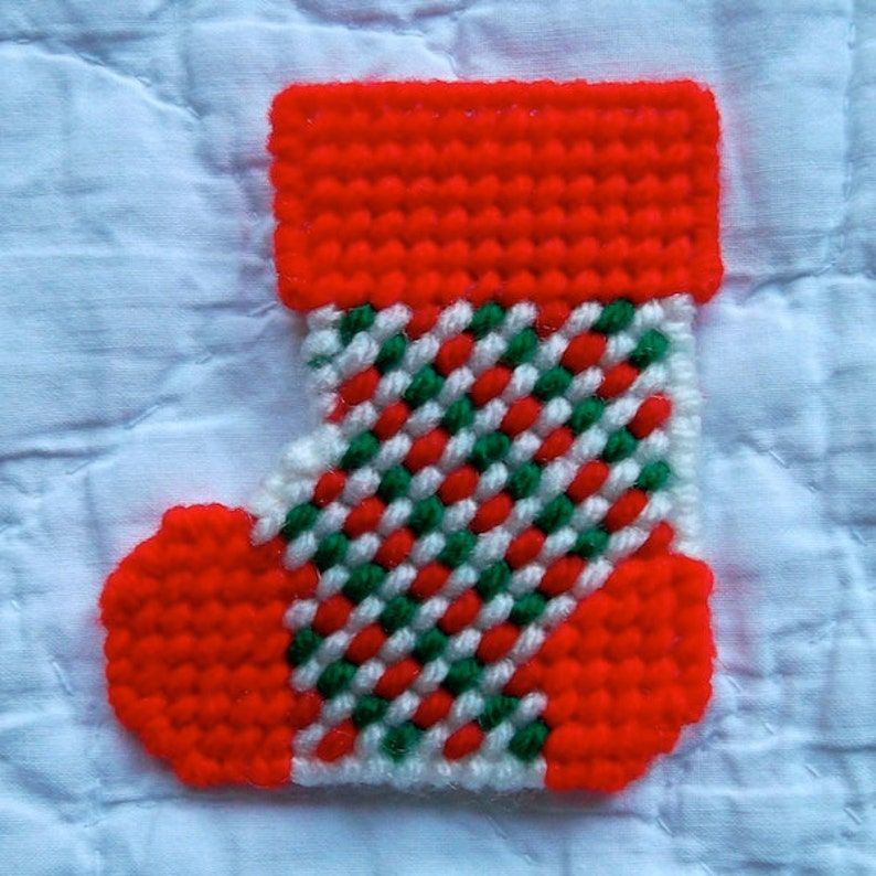 """Plastic Canvas Pattern: Christmas Stockings — """"Checks and S…"""