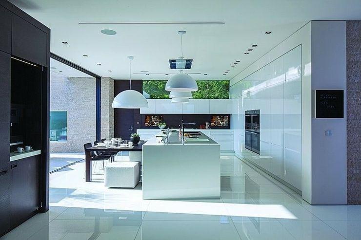 Tr s belle maison au design unique beverly hills kitchens and cooking maison - Tres belle cuisine equipee ...