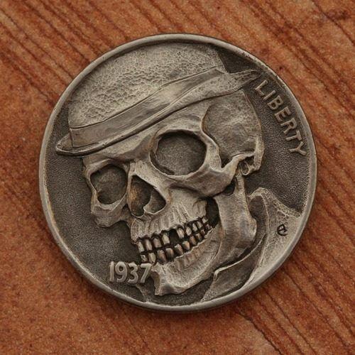 Monedas por Aleksey Saburov