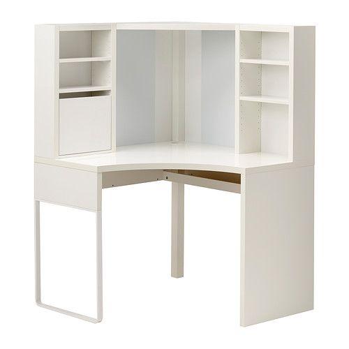 IKEA - MICKE, Eckarbeitsplatz, weiß, , Rückwand mit magnetischer, beschreibbarer Tafel; spart Platz auf der Schreibfläche.Die versetzbaren Böden lassen sich dem jeweiligen Aufbewahrungsbedarf anpassen und jederzeit neu anordnen; so nutzt man den Raum effektiv.Mit Öffnung auf der Rückseite; Kabel und Mehrfachsteckdosen sind verdeckt, aber immer griffbereit.Die Beine können je nach den räumlichen Gegebenheiten links oder rechts montiert werden.Für eine größere Arbeitsfläche lassen sich mehrere…