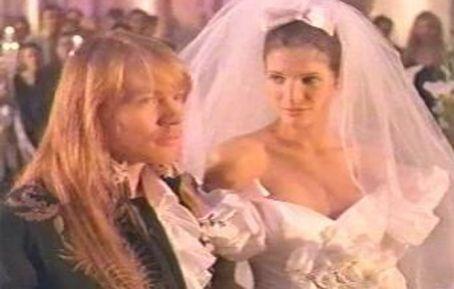 Stephanie Seymour And Axl Rose Stephanie Seymour Stone Fox Bride Axl Rose
