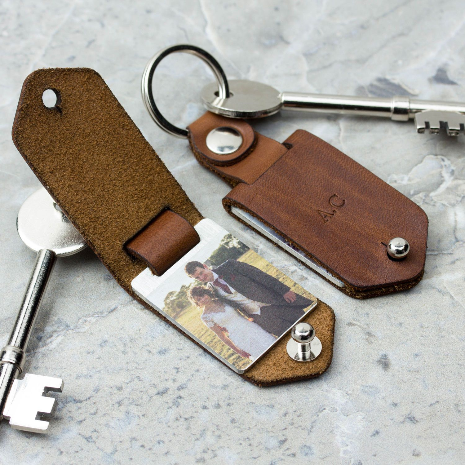 Leather Wedding Anniversary Gift Ideas: Metal Photo Keyring With Leather Case