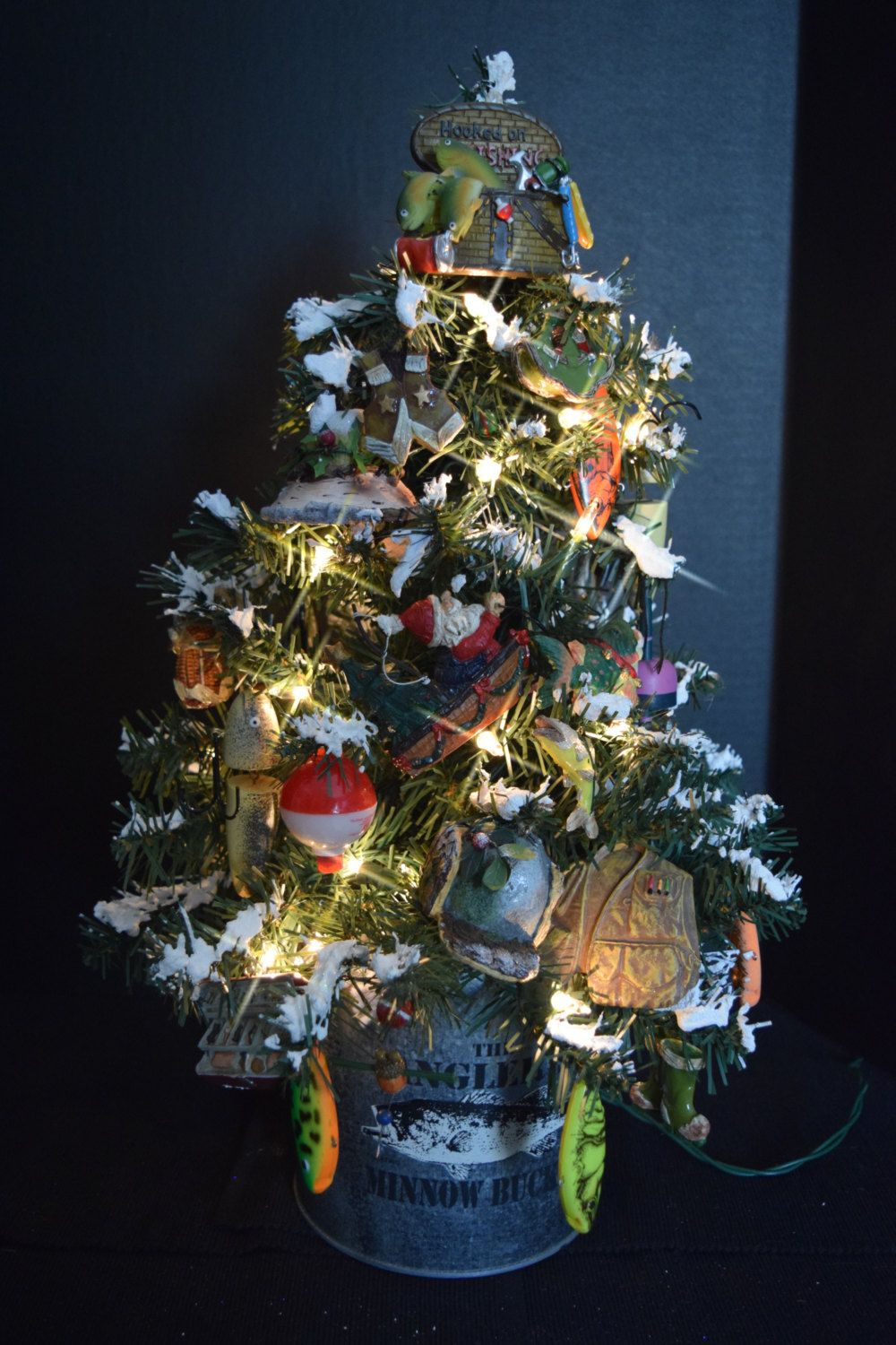 Easy To Set Up And Assemble Artificial Christmas Trees That Look Amazingly  Realistic Too!
