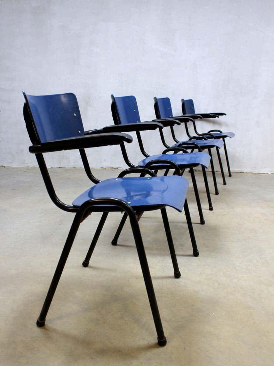 Industriele Stoelen Partij.Vintage Industrial Chairs Meurop Industriele Partij Stapel Stoelen