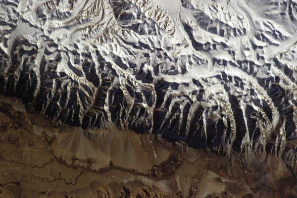 Himalayas-chris-ha_3079879k