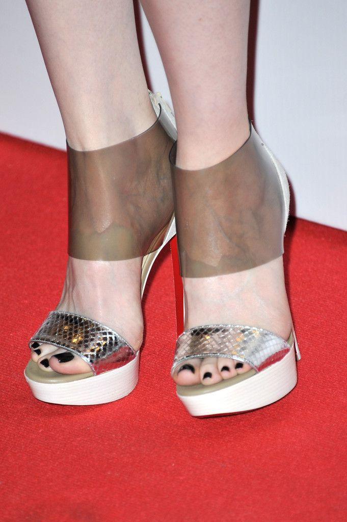 Pin on Celebrity Toe Close Ups
