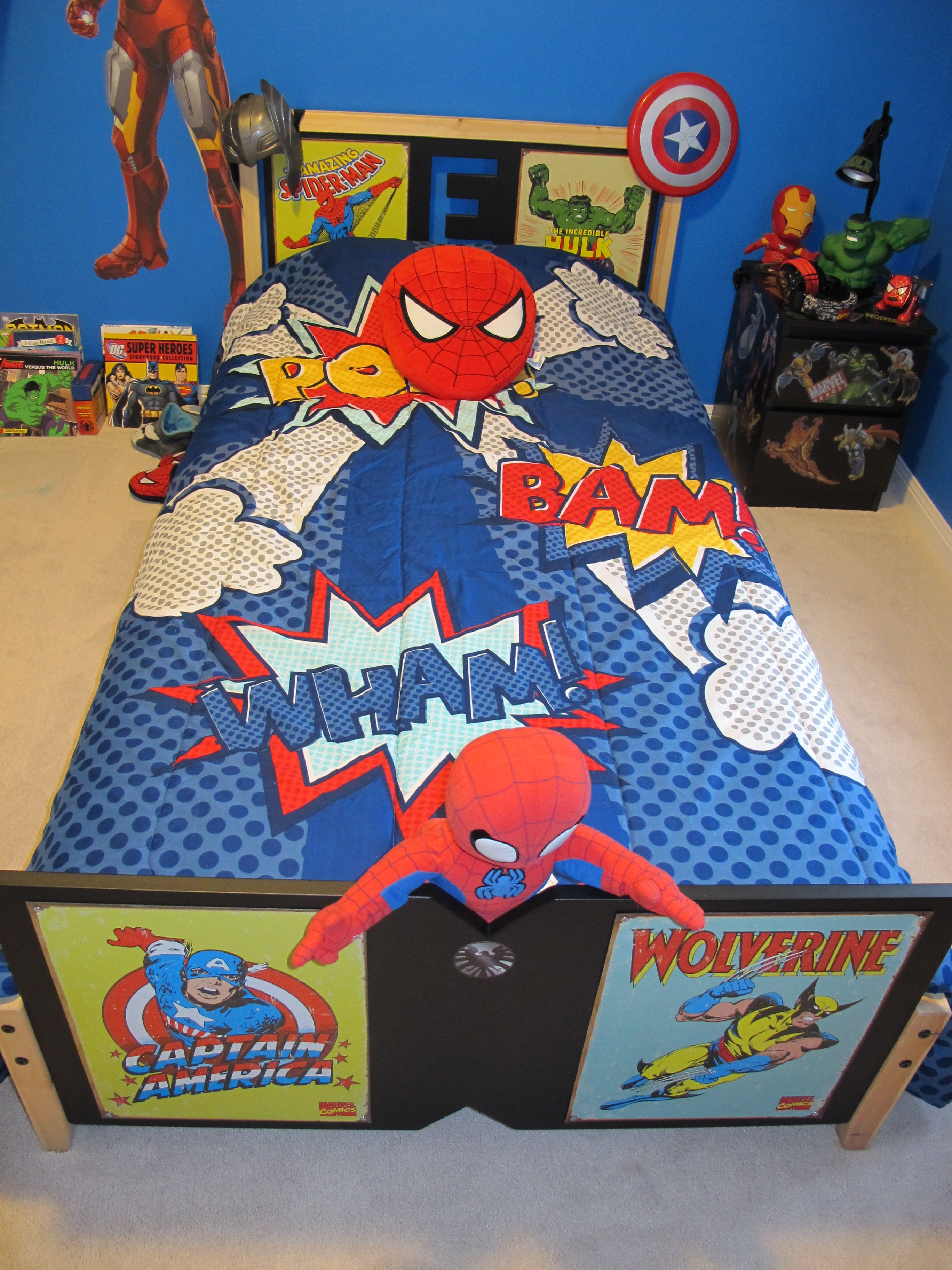 Old Comic Book Super Heroes Lampshades To Match Children`s Super Heroes Duvets