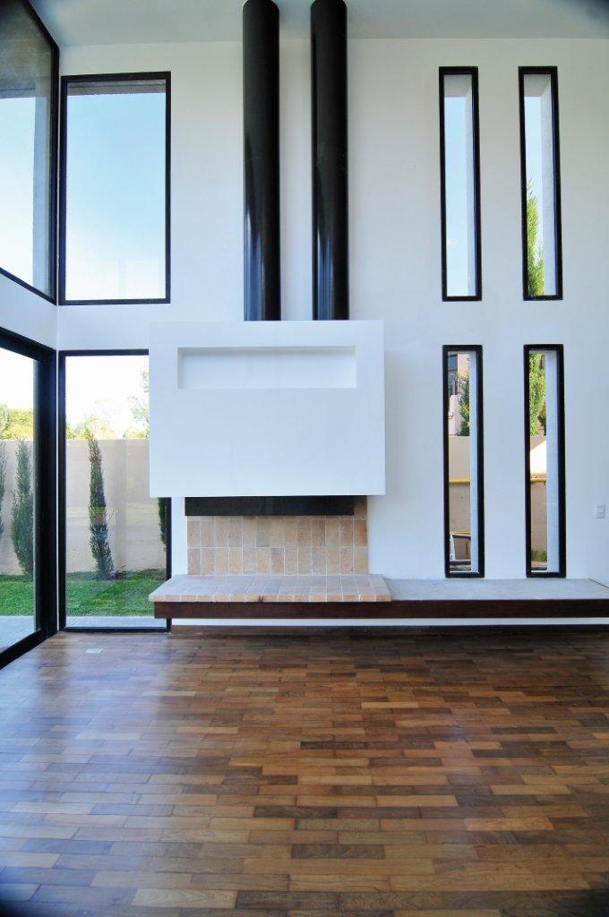 Imagenes de modernas salas con doble altura buscar con for Fachadas de comedores