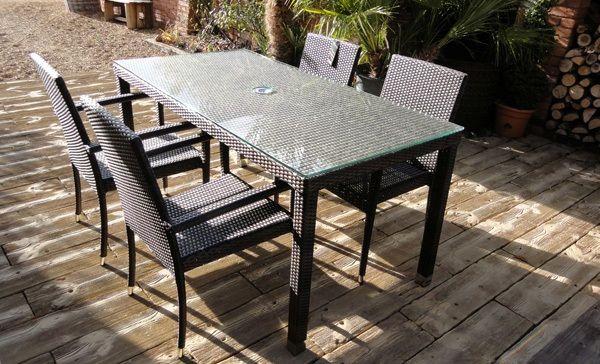 Conjunto mesa y sillas rattan para exterior tejido for Conjunto jardin rattan sintetico