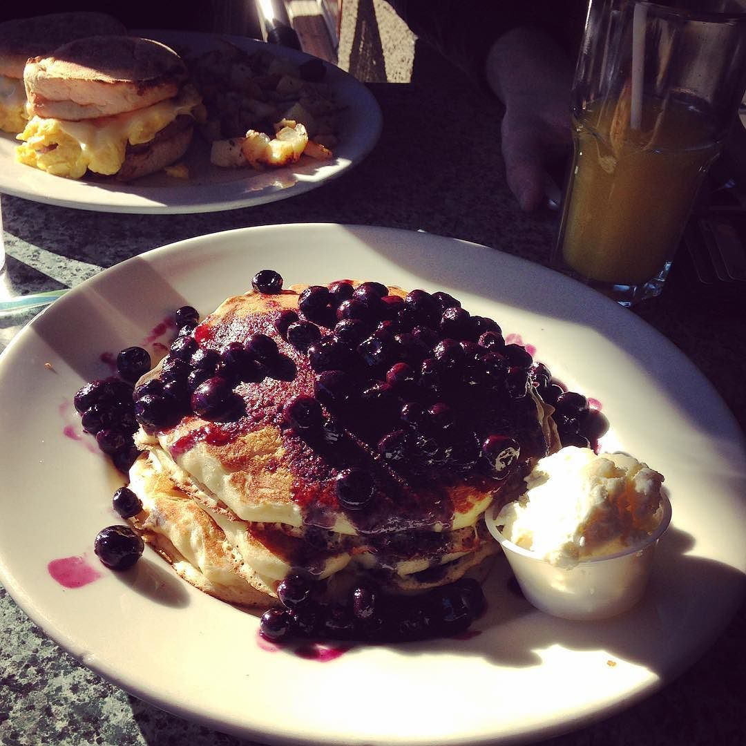 #blueberry #pancakes #american #breakfast #california #bbtrip by mikekreeki