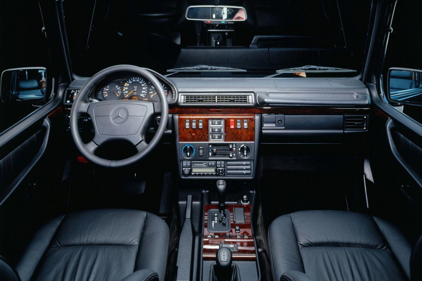 Mercedes benz g class inside