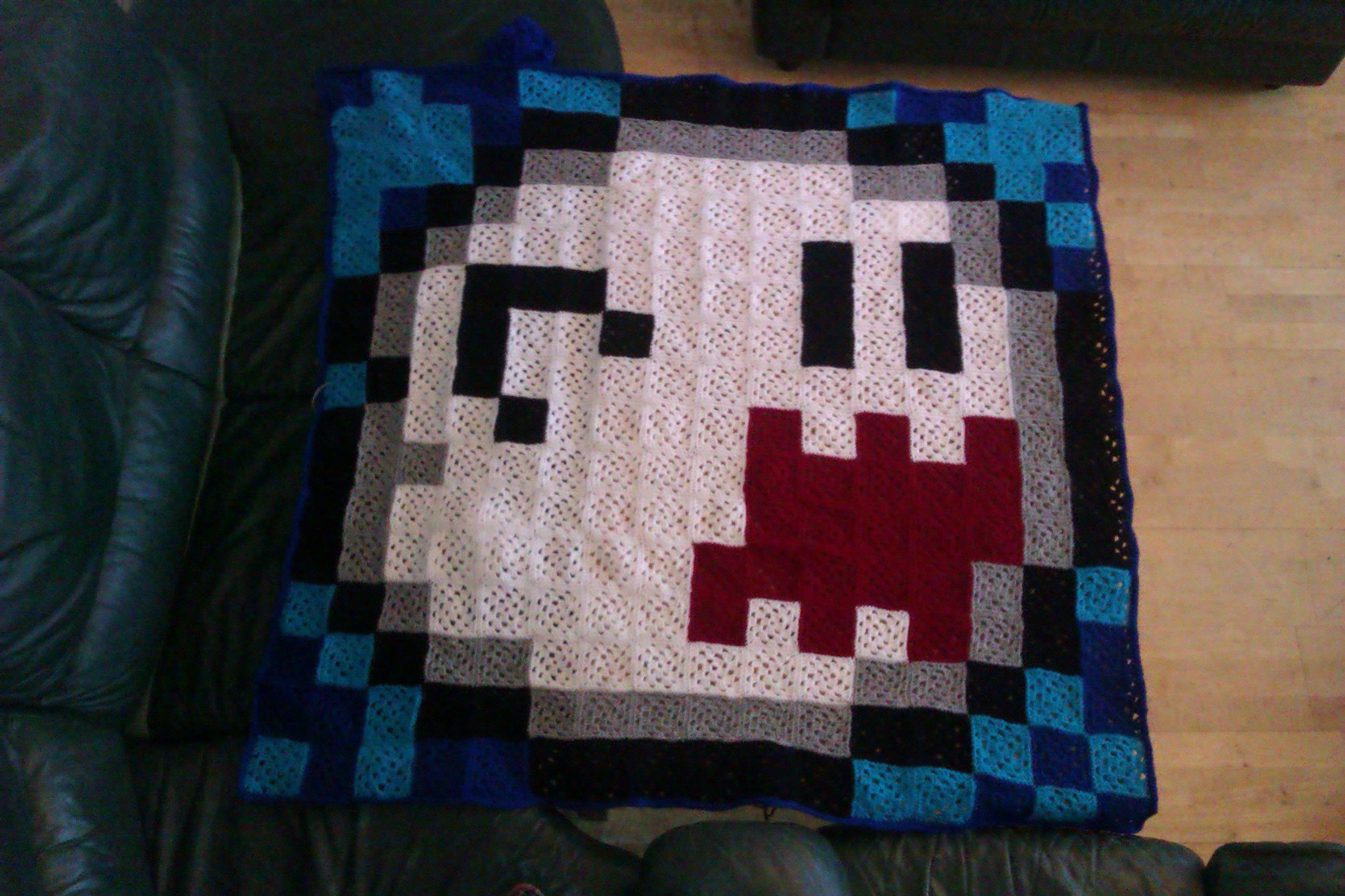 Awesome 8-bit crochet gamer blanket | 8 bit blankets crochet | Pinterest