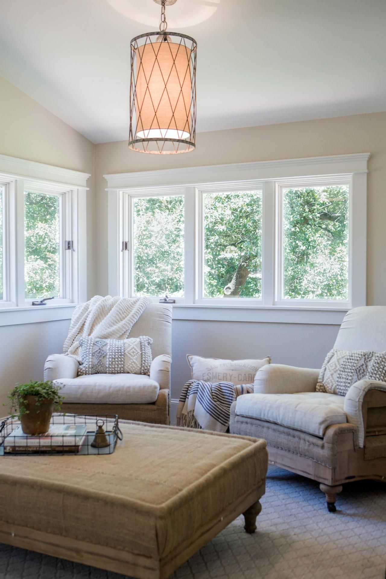 Hgtv Small Spaces Living Rooms: HGTV's Fixer Upper With Chip And Joanna Gaines