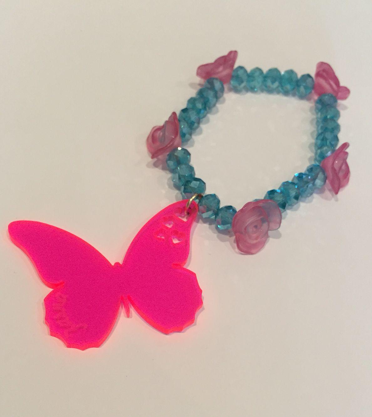 Espectacular pulsera de mariposa cristales y rosas