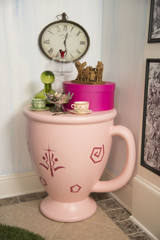 Ashley S Nest Decorating A Dining Room: Ashley Eckstein's Alice In Wonderland Dining Room