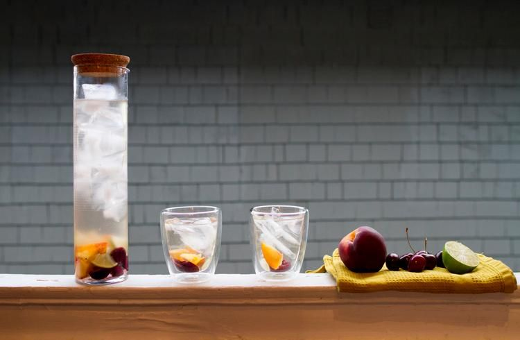 How to Summer Fruit White Sangria
