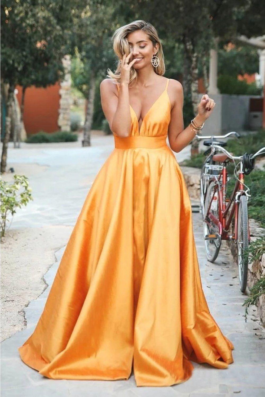 Spaghetti-Straps Elegant V-Neck Backless Sleeveless Prom Dresses BUKPLR3T82T